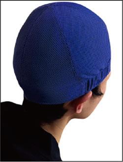 COOL COREヘルメットインナー(垂れなし) 着用例(ブルー)